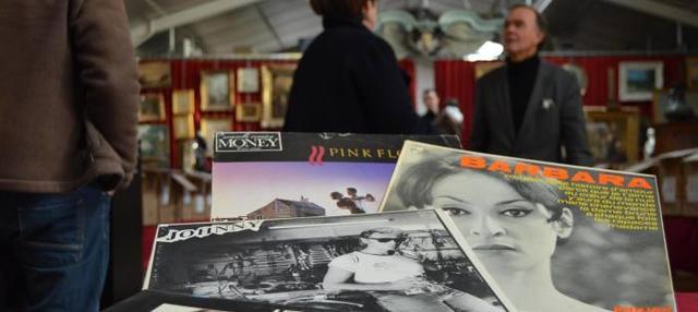 Состоялся аукцион по продаже коллекции пластинок жителя Кап-д'Ай